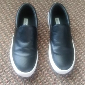 Steve Madden Gills Black Leather Sneakers Size 8